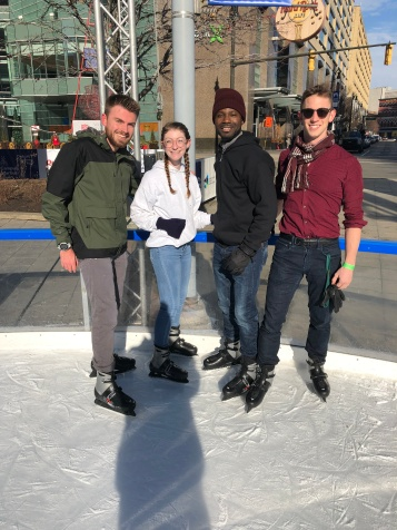 w18_group_skating